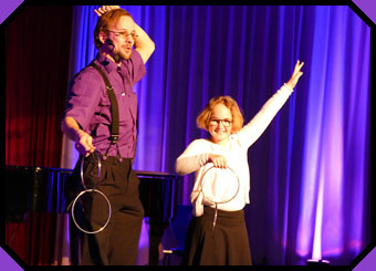 Familyshow with Quintus the purple magician
